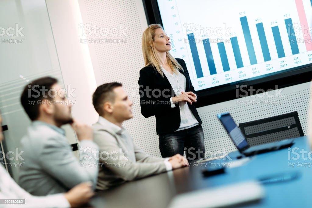 회의실에서 비즈니스 미팅의 그림 - 로열티 프리 Congress 스톡 사진