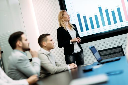 회의실에서 비즈니스 미팅의 그림 Congress에 대한 스톡 사진 및 기타 이미지