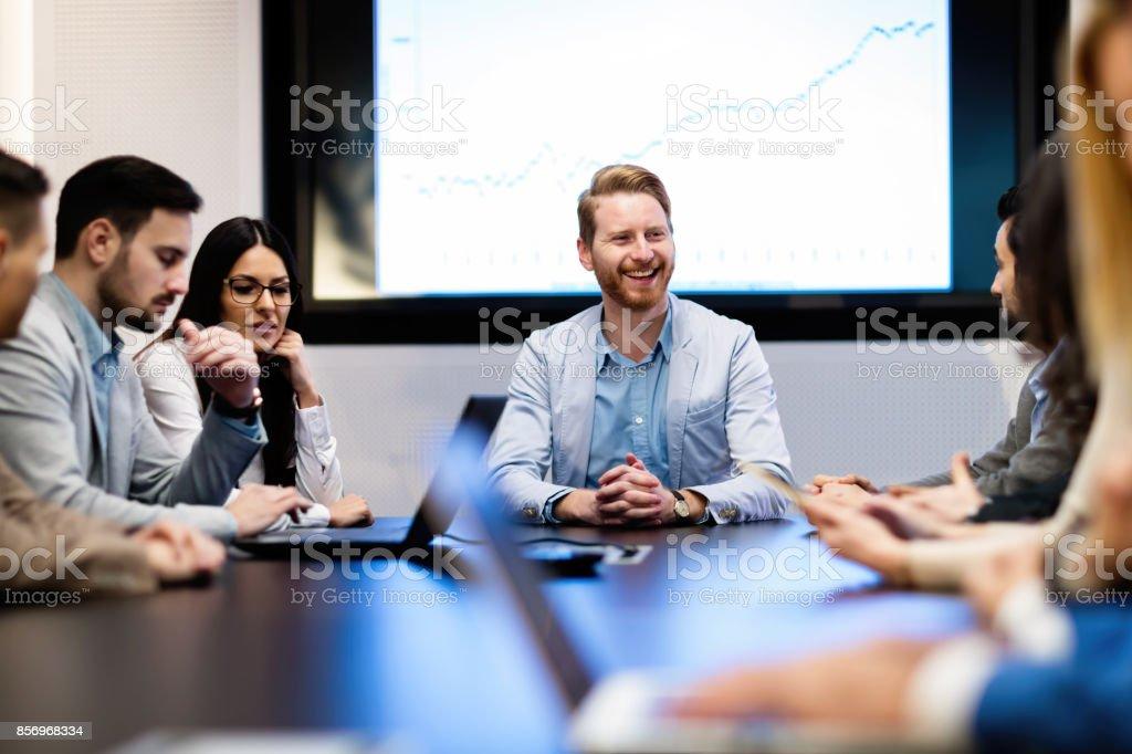 Bild von Geschäftsleute treffen im Konferenzraum - Lizenzfrei Arbeiten Stock-Foto