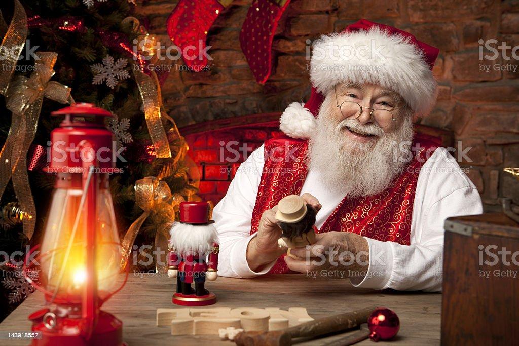 Bilder von echten Santa Claus in seiner Werkstatt, Spielzeug – Foto