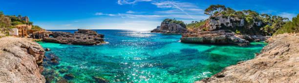 Panorama de la côte pittoresque sur l'île de Majorque, vue sur baie plage Cala S'Almunia, Espagne Méditerranée - Photo