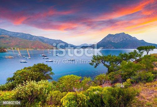 istock Picturesque Mediterranean seascape in Turkey. 860802104