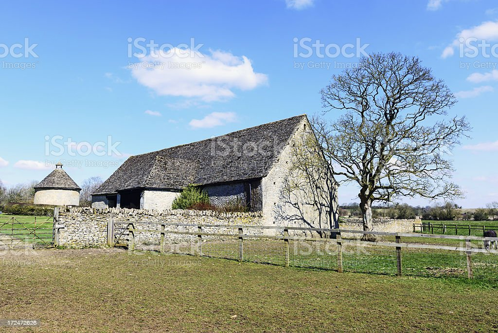 Picturesque old barn in Oxfordshire, England stock photo