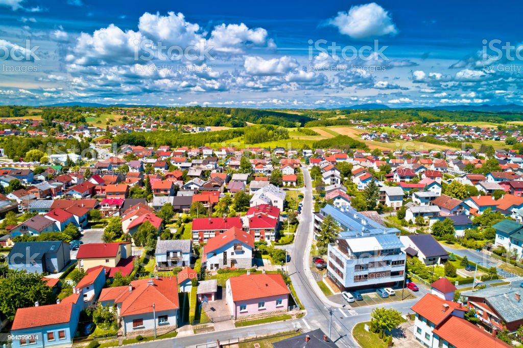 Na região de Prigorje da Croácia, Croácia rural pitoresca cidade de Krizevci - Foto de stock de Aldeia royalty-free