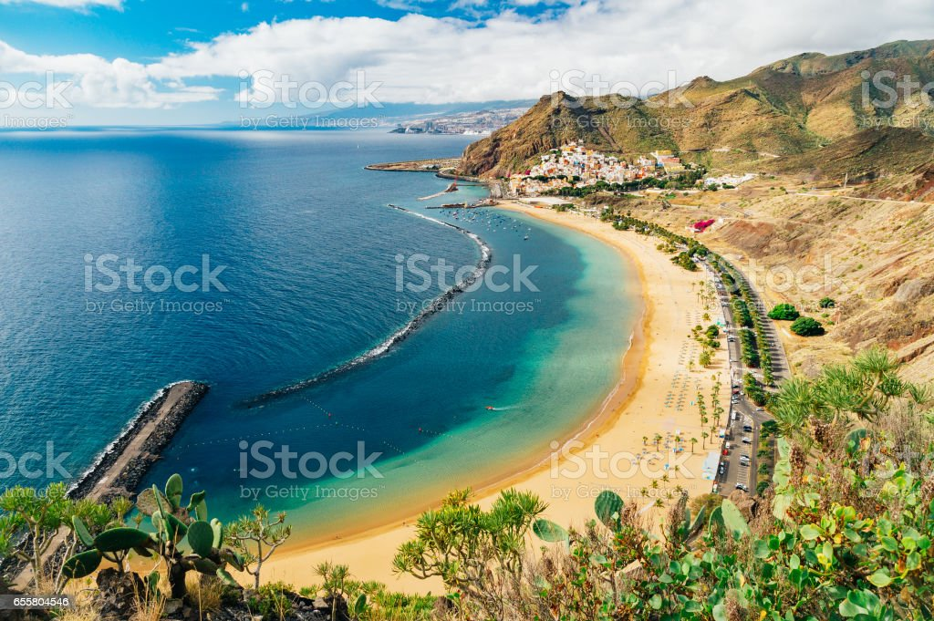 Picturesque view of Playa de las Teresitas beach and ocean lagoon – Foto