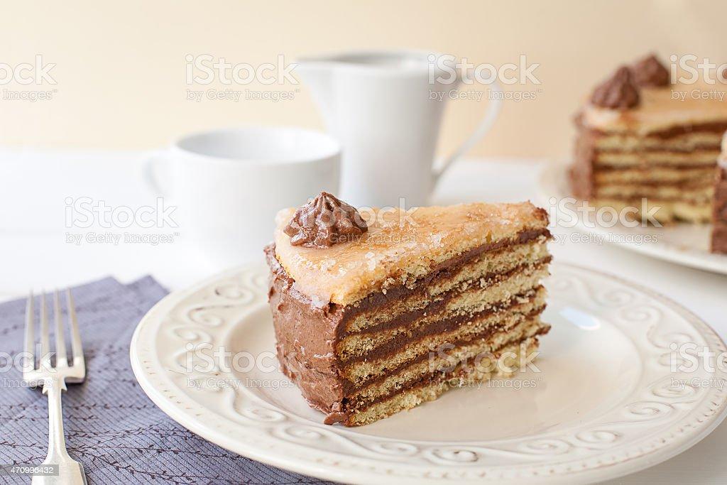 Stück im Lagenlook Kuchen (Dobosh Ungarische Kuchen) Lizenzfreies stock-foto