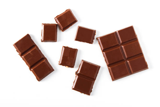 stücke von schokolade - schokolade stock-fotos und bilder