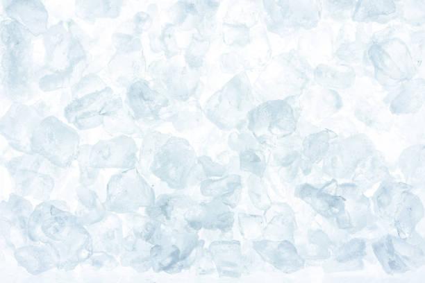 얼음 배경의 조각입니다. 아이스 큐브 흰색 배경. - 얼음 조각 뉴스 사진 이미지