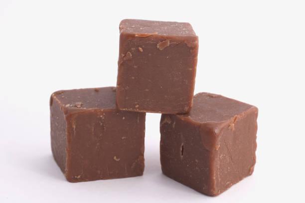 pieces of fudge request - fudge stockfoto's en -beelden