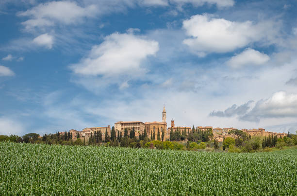 Pienza view of the place pienza stock pictures, royalty-free photos & images