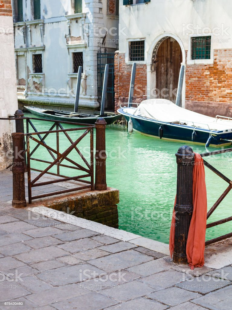 pier on rio del la pleta canal in Venice city photo libre de droits