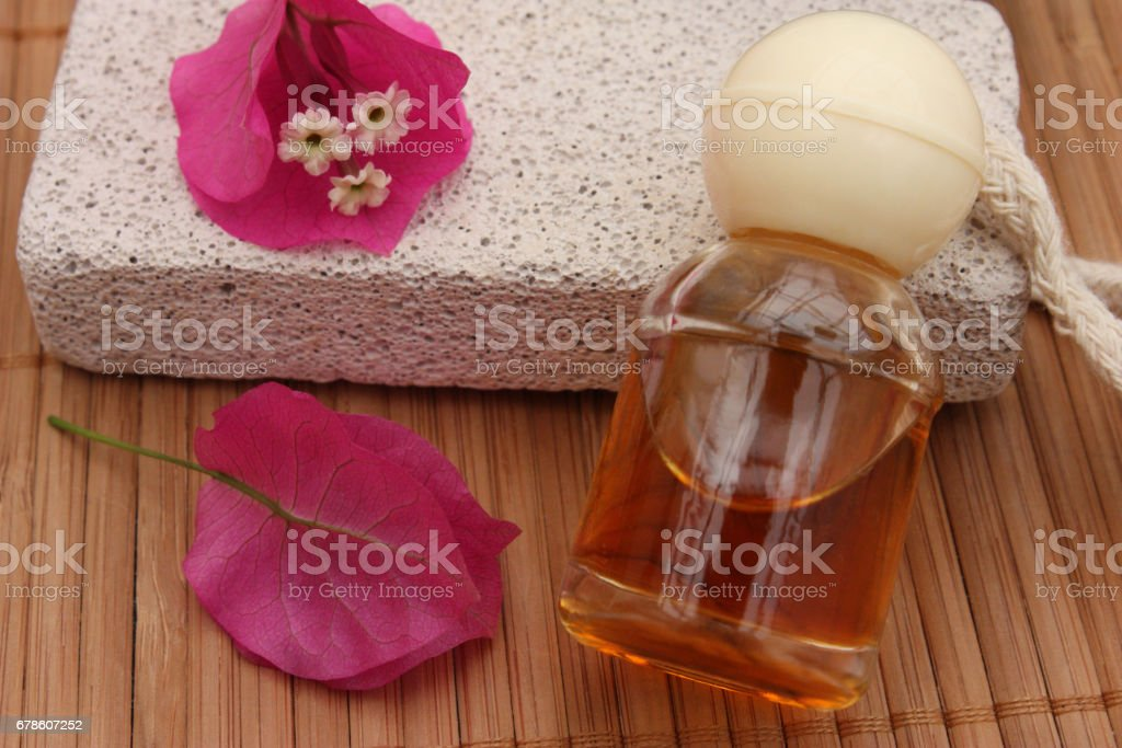 pierre ponce exfoliant soins du corps huile de massage. Black Bedroom Furniture Sets. Home Design Ideas