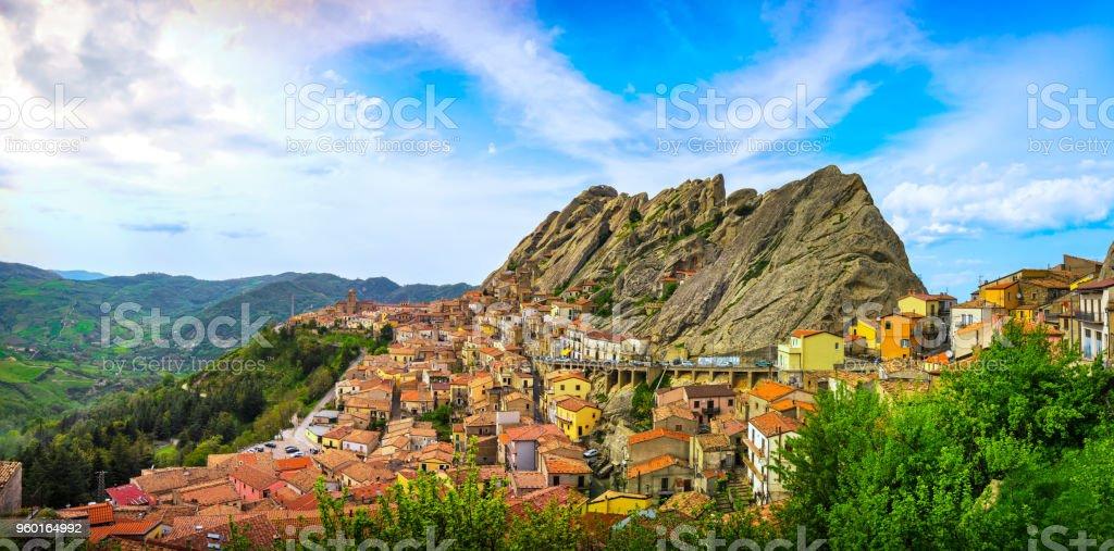 Pietrapertosa village in Apennines Dolomiti Lucane. Basilicata, Italy. - foto stock