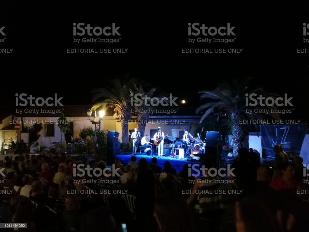 "Pietrelcina - Dr. Jazz & Dirty Burks Swing Band in ""Jazz sotto le stelle"" - foto stock"