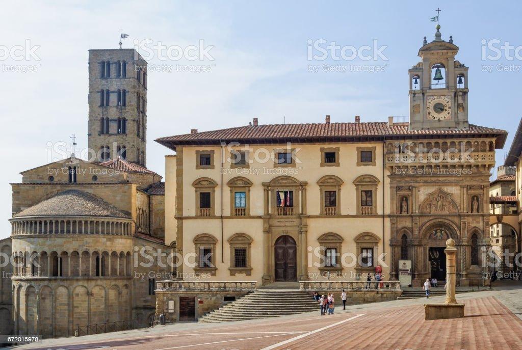 Pieve di Santa Maria and Fraternita Palace - Arezzo - foto stock