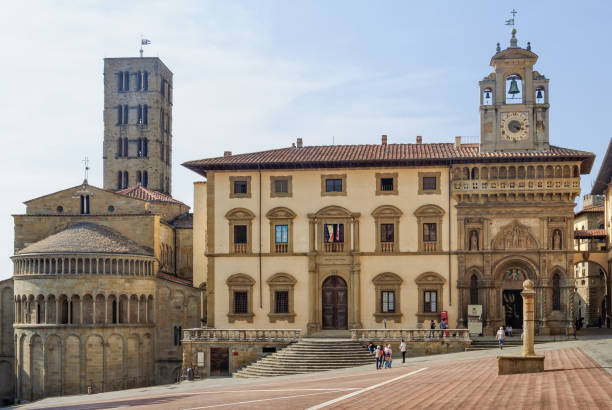 Pieve di Santa Maria and Fraternita Palace - Arezzo Pieve di Santa Maria and Fraternita Palace on Piazza Grande - Arezzo, Italy, 24 September 2011 piazza grande stock pictures, royalty-free photos & images