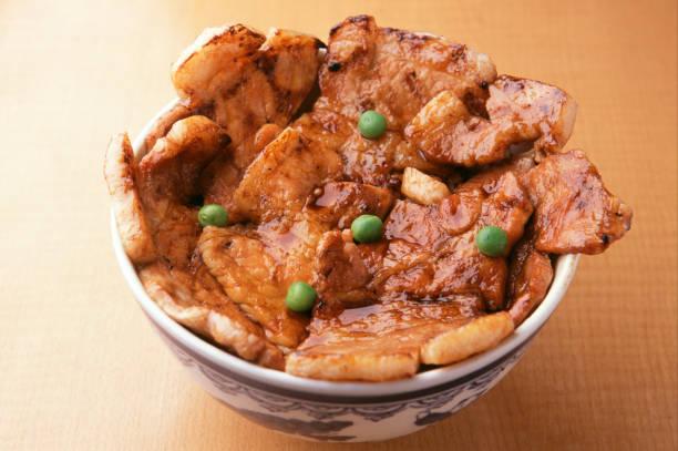 豚丼 - 丼物 ストックフォトと画像