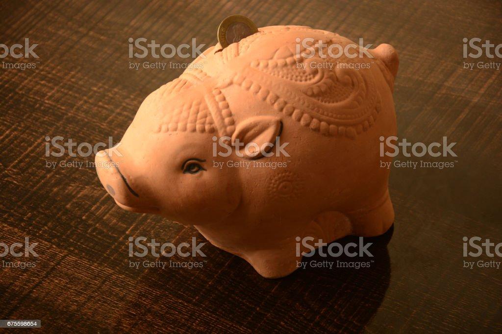 Piggy bank and Indian coin bank photo libre de droits
