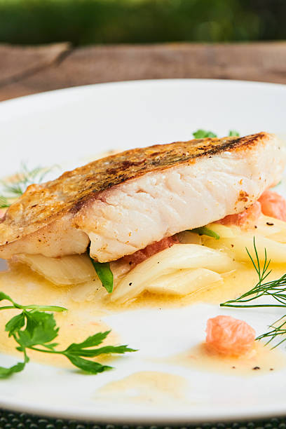 Pike perch fillet with leeks and beurre Blanc – Foto