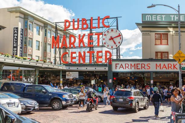 pike place genel pazar merkezi seattle'da - seattle stok fotoğraflar ve resimler