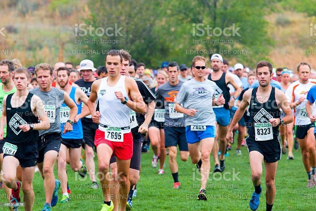 Pikes Peak Road corredores outono série de corrida - foto de acervo