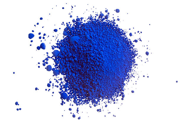 Tas de pigment bleu sur blanc - Photo