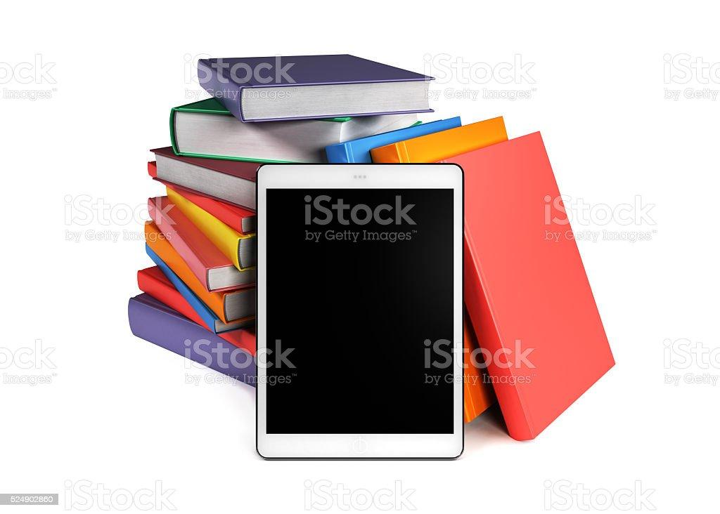Haufen Bücher mit einem tablet-PC im Vordergrund – Foto