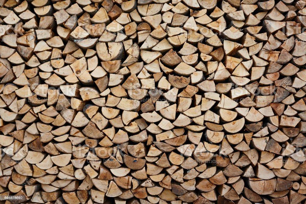 Haufen von geschnitten Holz für den Kamin – Foto