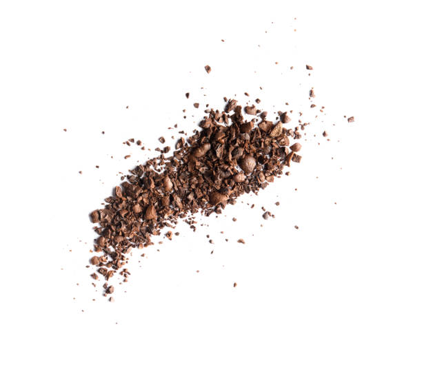 pile of coffee bean craked powder isolated on white background top view - café solúvel imagens e fotografias de stock
