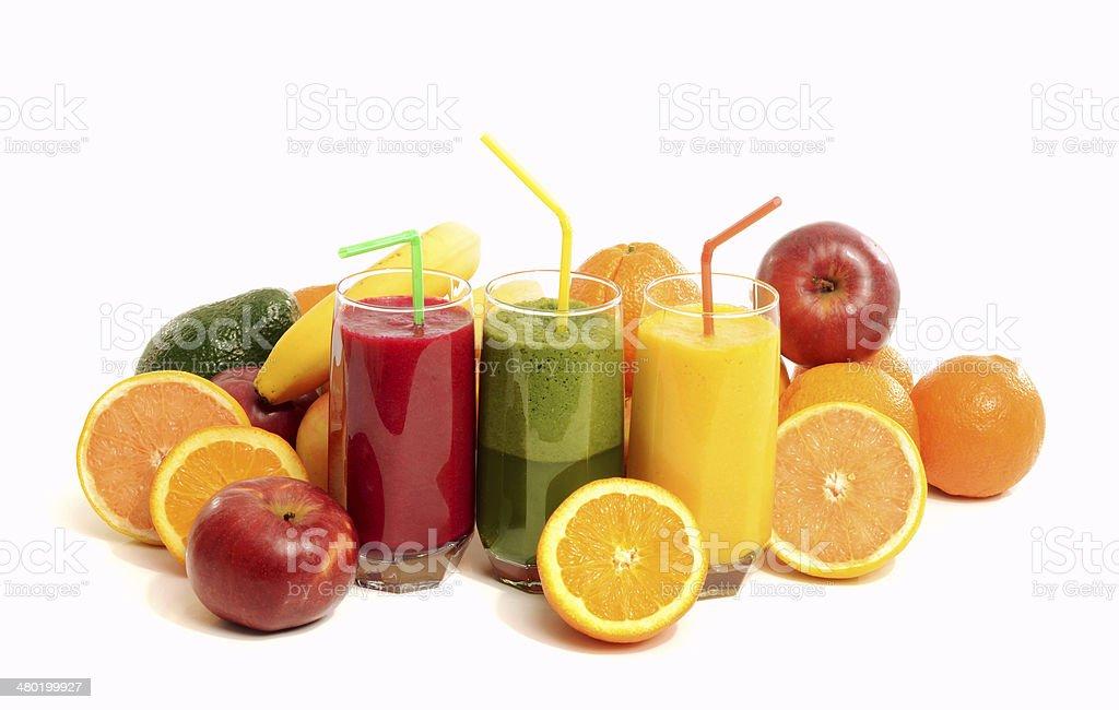 Pila de tres vasos con frutas frescas y batidos. - Foto de stock de Aguacate libre de derechos
