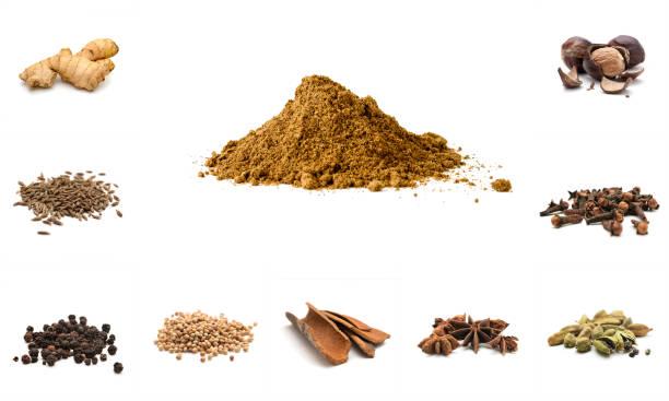 pila de ingredientes y mezcla de especias - clavo especia fotografías e imágenes de stock