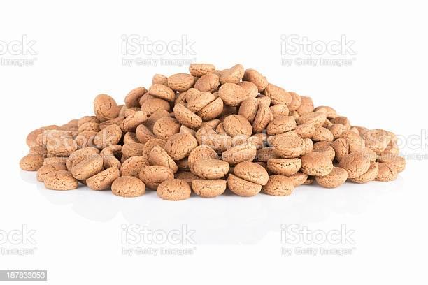 Pile Of Ginger Nuts Typical Dutch Candy For Sinterklaas Event Stockfoto en meer beelden van Amerikaanse biscuit