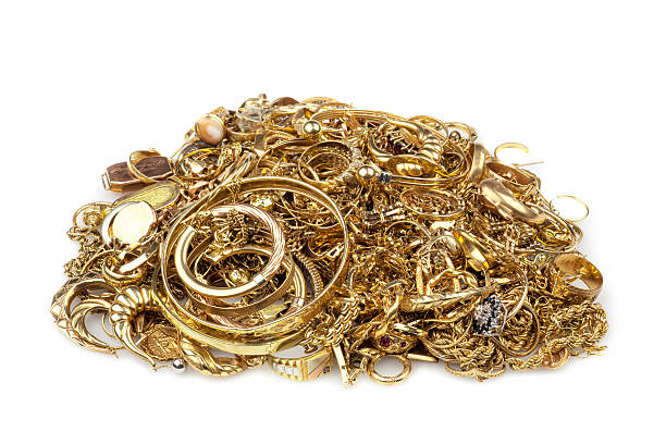 haufen schrott-gold - diamanten kaufen stock-fotos und bilder