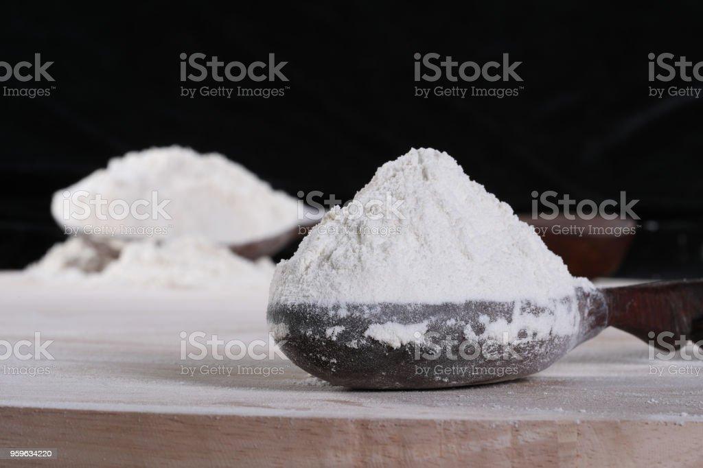 Montón de harina de trigo - Foto de stock de Aderezo libre de derechos