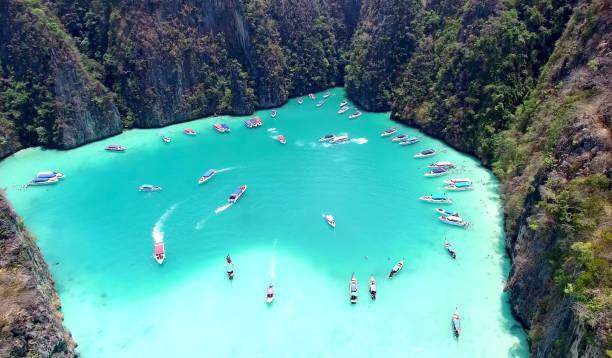 lagoa de pileh, ko phi phi leh, tailândia - beach in thailand - fotografias e filmes do acervo