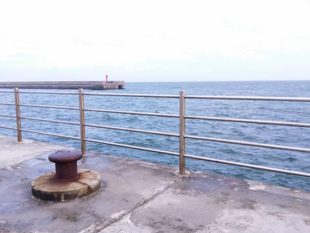 船を係留杭ボラード ストックフォト