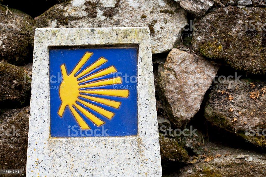 Pellegrini shell in piastrelle muro di pietra sfondo camino de