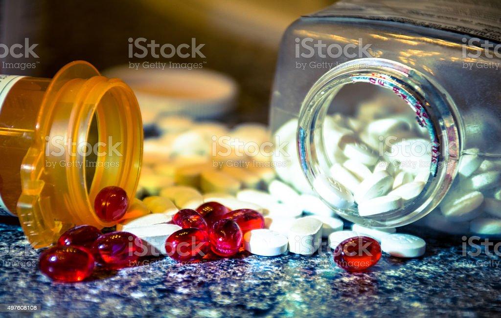 Pastillas Gel cápsulas se derramó el vertido Prescreption medicamento de venta - foto de stock