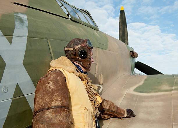 raf ww2 flugzeug pilot & hurrikan fighter - mae west stock-fotos und bilder
