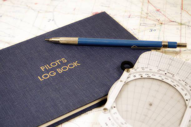 piloten-ausstattung - flugschule stock-fotos und bilder