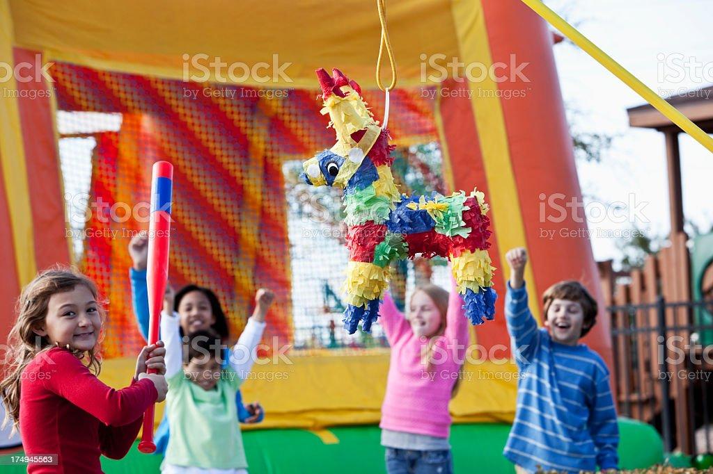 Pi ata en fiesta de cumplea os para ni os fotograf a de - Cumpleanos para ninos de diez anos ...