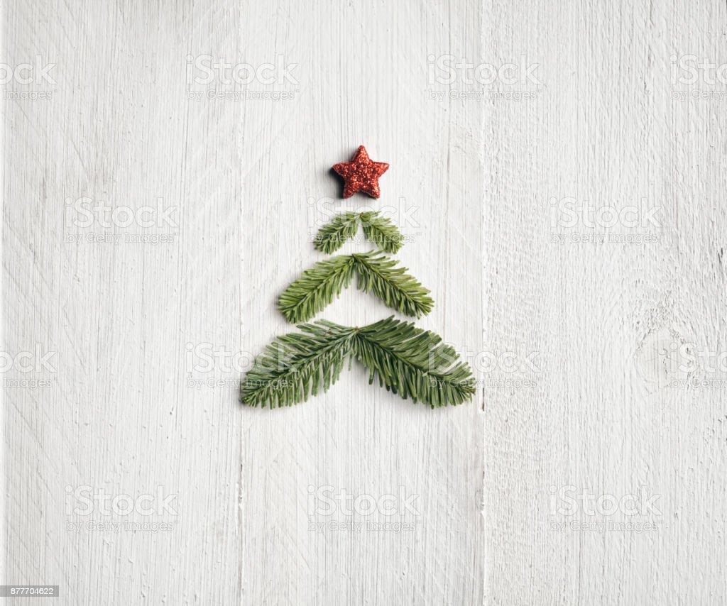 Kiefer-Branche-Weihnachtsbaum - Hintergrund Natur Holz weiß – Foto