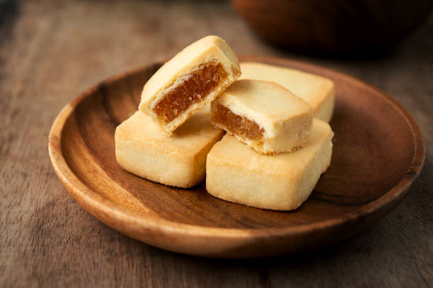 ananas-kuchen, taiwan berühmten dessert. - ananaskuchen stock-fotos und bilder