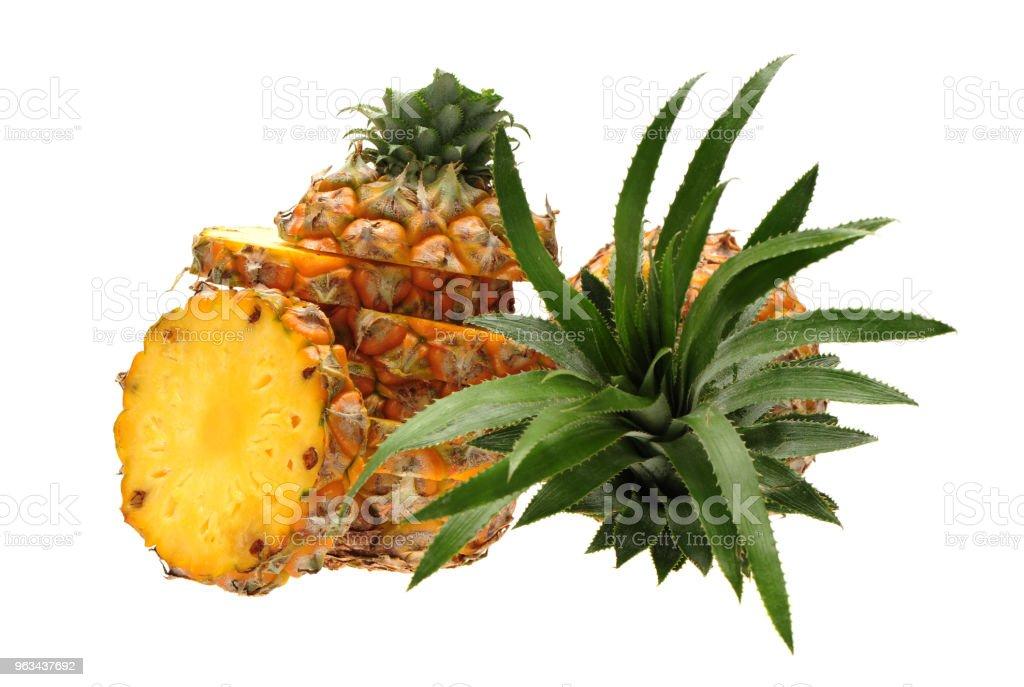 Ananas isolé sur fond blanc - Photo de Aliment libre de droits