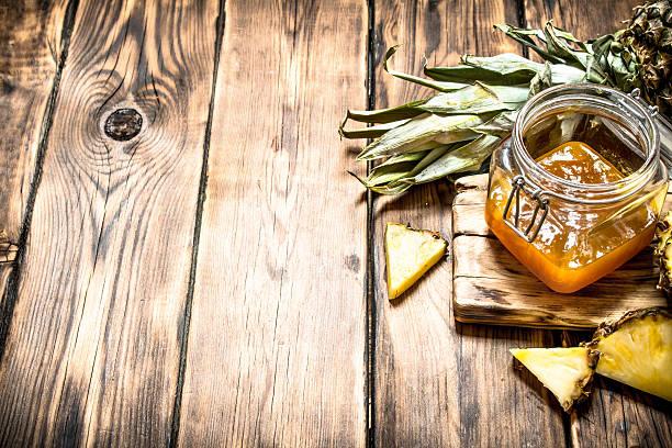 pineapple jam in a jar. - ananas marmelade stock-fotos und bilder