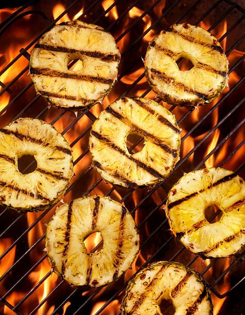 bbq ananasa - grillowanie owoce zdjęcia i obrazy z banku zdjęć