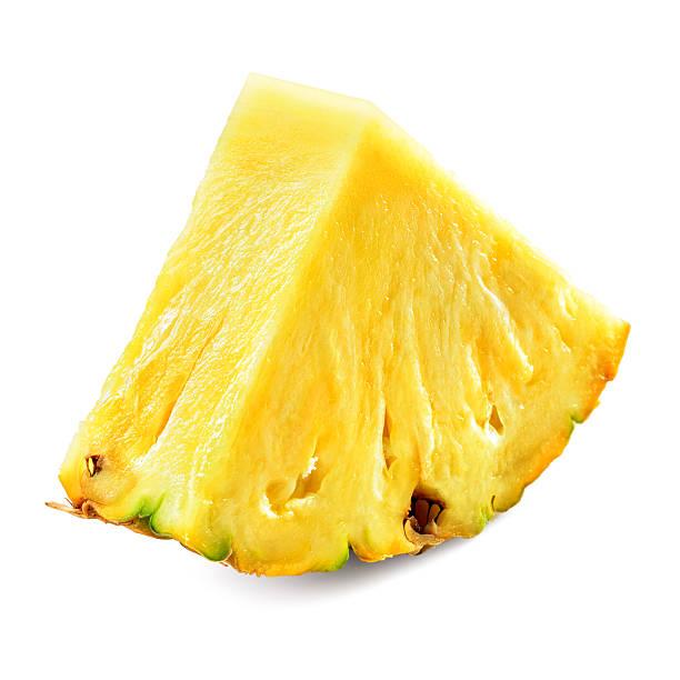 Pièce d'ananas isolé sur fond blanc. - Photo