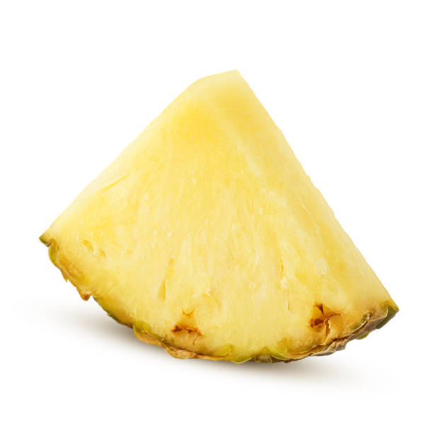 tranche d'ananas isolé sur fond blanc, un tracé de détourage, toute la profondeur de champ - Photo