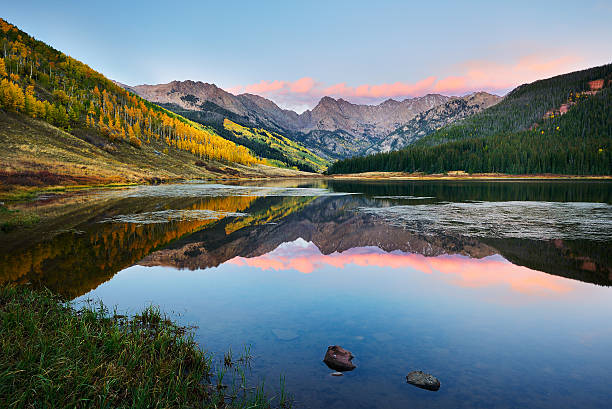 Piney Lake Piney Lake at Sunset near Vail Colorado vail colorado stock pictures, royalty-free photos & images