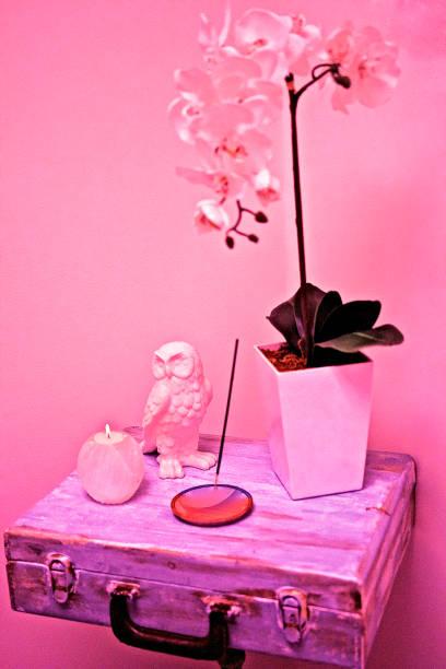 rosa abstrakte dekor - diy eule stock-fotos und bilder